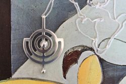 Willy Winnaess planet pendant alt